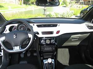Citroen Ds3 Interieur : citroen ds3 so chic v hicule neuf seulement 30kms hdi 90 so chic avec options vendu au prix ~ Gottalentnigeria.com Avis de Voitures