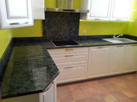 cuisine en granit plan de travail en granit pour cuisine les coloris du