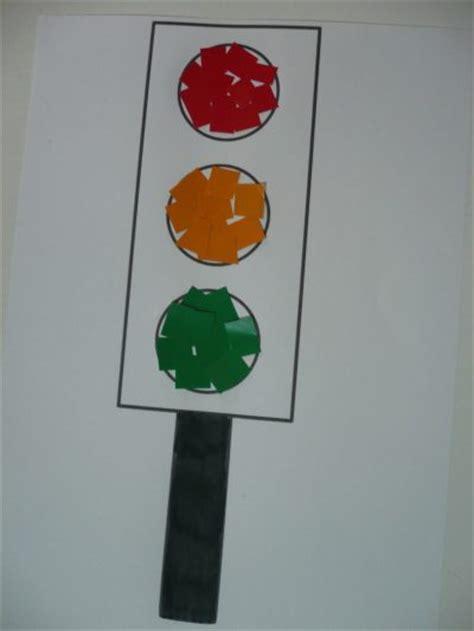 paper traffic lights fun family crafts