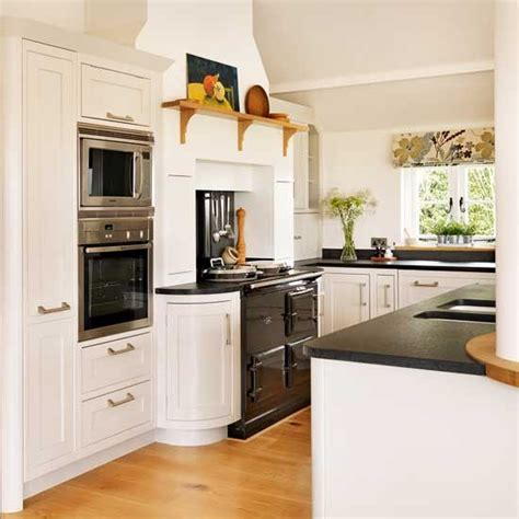 classic white kitchen traditional kitchen pictures house to home 974 | Classic white kitchen