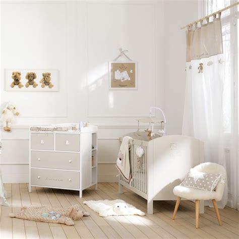 chambre bébé beige et blanc idée déco chambre fille deco clem around the corner