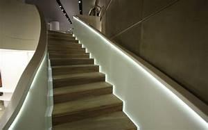 Led Stripes Ideen : beleuchtung treppenhaus l sst die treppe unglaublich sch n erscheinen ~ Sanjose-hotels-ca.com Haus und Dekorationen