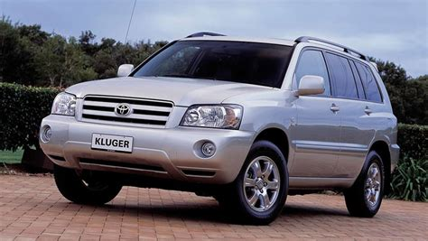 There's plenty of headroom, with enough shoulder room for three adults. Toyota Kluger 2005 Review   CarsGuide
