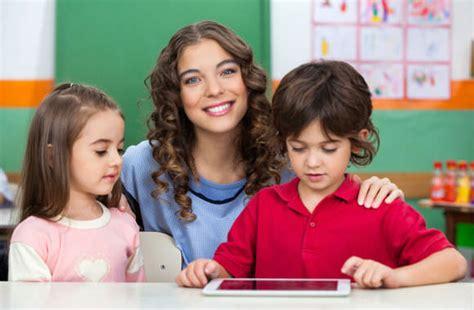 preschool teachers cause children to be heterosexual peer 627   preschool teacher children kinder.Tyler Olson.shutterstock