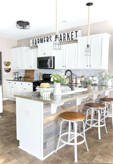 spraying kitchen cabinets best 25 kitchen cabinet makeovers ideas on 2434