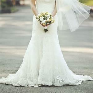 Wedding dress photography ideas popsugar fashion australia for What to wear as a wedding photographer