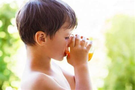 Why My Kids Don't Drink Juice Everyday {& What They Drink