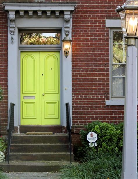 green door dc capitol hill dc the pursuit of style outside