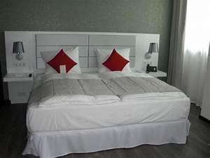 King Size Bett Amerikanisch : king size bett superior zimmer bild von hotel riu plaza berlin berlin tripadvisor ~ Markanthonyermac.com Haus und Dekorationen