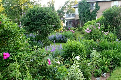 country gardens pin by laurie shoemaker on gorgeous gardens pinterest