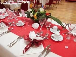 Décoration Mariage Rouge Et Blanc : deco table blanc simple planche inspiration ides mariage ~ Melissatoandfro.com Idées de Décoration