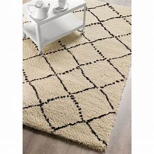 tapis noir et blanc losange idees de decoration With tapis scandinave noir et blanc