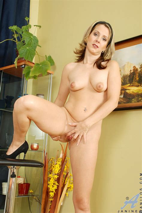 freshest mature women on the net featuring anilos janine horny milf