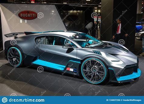 The bugatti divo 2020 has w16 premium engine. New 2020 Bugatti Divo Extreme Hypercar Editorial Photo - Image of expensive, black: 134837256
