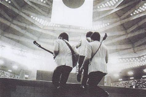 Def Leppard Concert Pictures The History Of The Nippon Budokan Rock And Roll S Eastern Palace