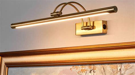 Illuminare Quadri by Faretti Per Quadri A Batteria Faretto Per Illuminare