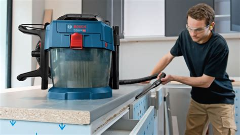gas 18v 10 l great whirl dust powerful 18 volt extractors from bosch for professionals bosch