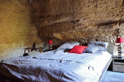 chambre troglodyte séjour insolite en famille nuit en troglo et bioparc de