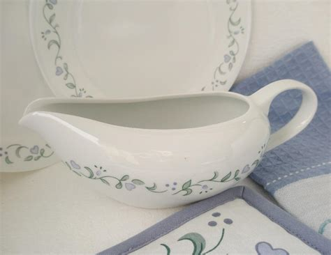 Very Gravy Boat by Corelle 2 Cup Gravy Boat 9 X 4 X 3 1 4 Very Thick Heavy