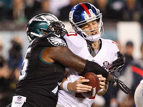 eagles overwhelm giants   philly