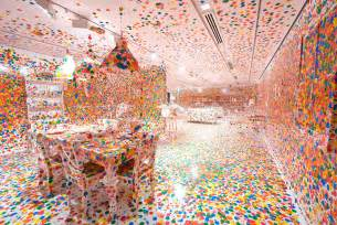 Make Dining Room Table by Japanese Artist Wows With Infinity Mirrors Shareamerica