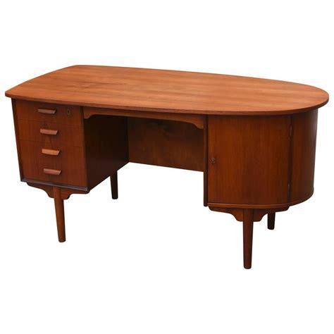 danish mid century modern desk vintage 1950s danish mid century modern teak desk at 1stdibs