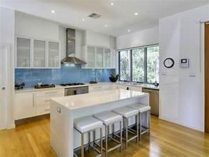 Küche Spritzschutz Plexiglas : k chenr ckwand aus glas der moderne fliesenspiegel sieht ~ Michelbontemps.com Haus und Dekorationen