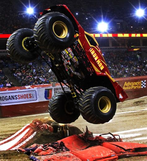 how long does monster truck jam last monster jam photos milwaukee wisconsin january 21 2012