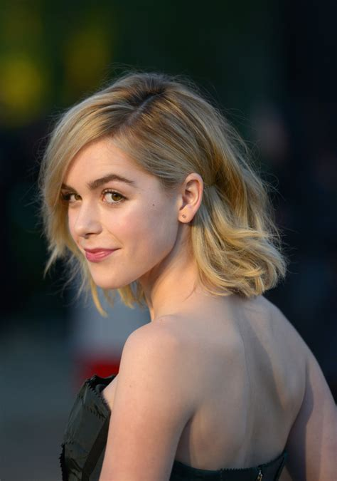 kiernan shipka short wavy cut short hairstyles lookbook