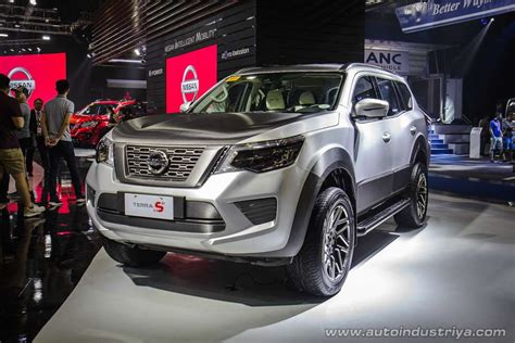 nissan terra  showcased  philippines motor show