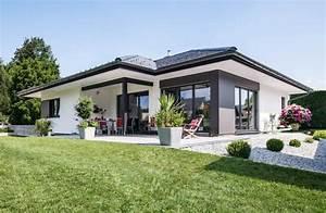 Bungalow Mit Garage Bauen : wolf bungalow das fertigteilhaus f r barrierefreies wohnen ~ Lizthompson.info Haus und Dekorationen