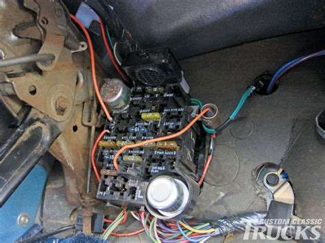 85 Chevy Monte Carlo Fuse Box by Chevrolet C10 Gets Wiring Upgrade Rod Network