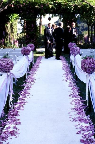 20 decorations to highlight your walk the aisle