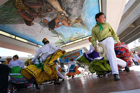 Chicano Park Murals Restoration by Chicano Park Murals Get Facelift Fronteras Desk