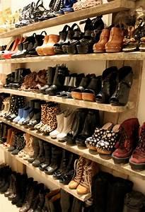 Meuble Chaussure Design : le meuble chaussure design organise de petites expositions pratiques chez vous ~ Teatrodelosmanantiales.com Idées de Décoration