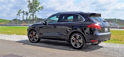 2014 Porsche Cayenne Turbo Is Track Star With A Trailer
