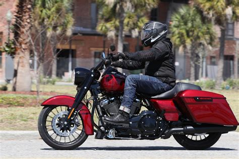 Harley Davidson Road King Special Hd Photo by 2017 Harley Davidson Road King Special Review Bike Week Test