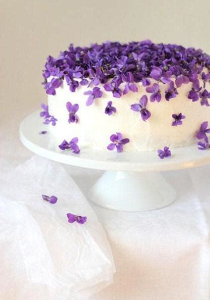 Purple Cake Decorating Ideas - fabulous ideas for cake decoration with edible flowers