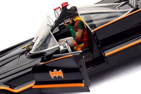 Jada Toys Batmobile with Batman Figure 1966 Classic TV