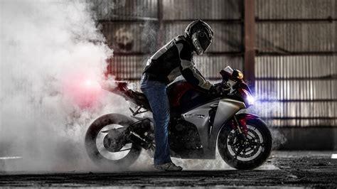 1920x1080 Honda Cbr 1000rr, Sportbike, Burnout, Smoke