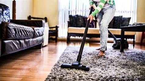 Clean The Living Room In by How To Clean A Living Room So You Don T Gross Out Your
