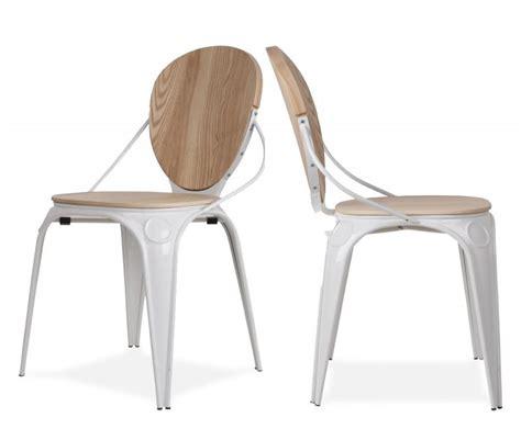 chaise blanche et bois 17 idées déco de chaises en bois esprit scandinave