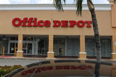 Office Depot Miami by Big Office Suppliers To Lay Out Strategies Wsj