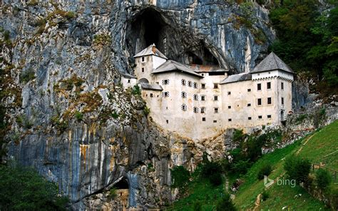 Predjama Castle, Slovenia (© Silanes Travel Photography ...