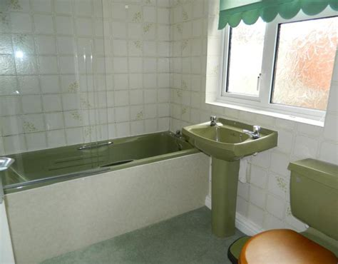 Colored Bathroom Suites by Avocado Bathroom Suites Is Another Hated From 70s 10