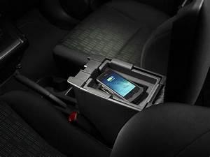 Handyhalterung Auto Wireless Charging : conductive wireless chargers inside cars by jvis qi ~ Kayakingforconservation.com Haus und Dekorationen
