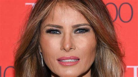 Молчаливый протест Мелании Трамп: Как пресса обсуждает каждый шаг первой леди США после известий о связи Трампа с порноактрисой — Meduza