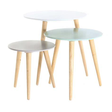 table en bois blanche set de 3 tables gigognes rondes scandinaves mooviin