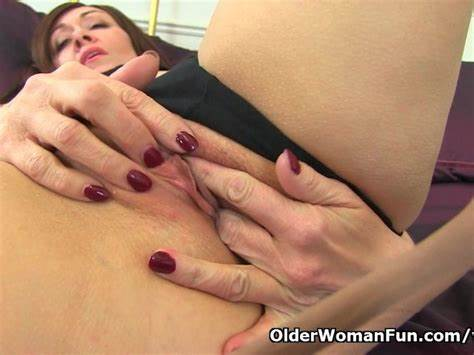 Kitty Deflowered Timer Creamed Czech Wife Lady Cream Can'T Hide Her Long Stretched Drive