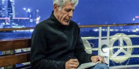 foto de Anthony Bourdain Cause of Death Reported to Be Suicide
